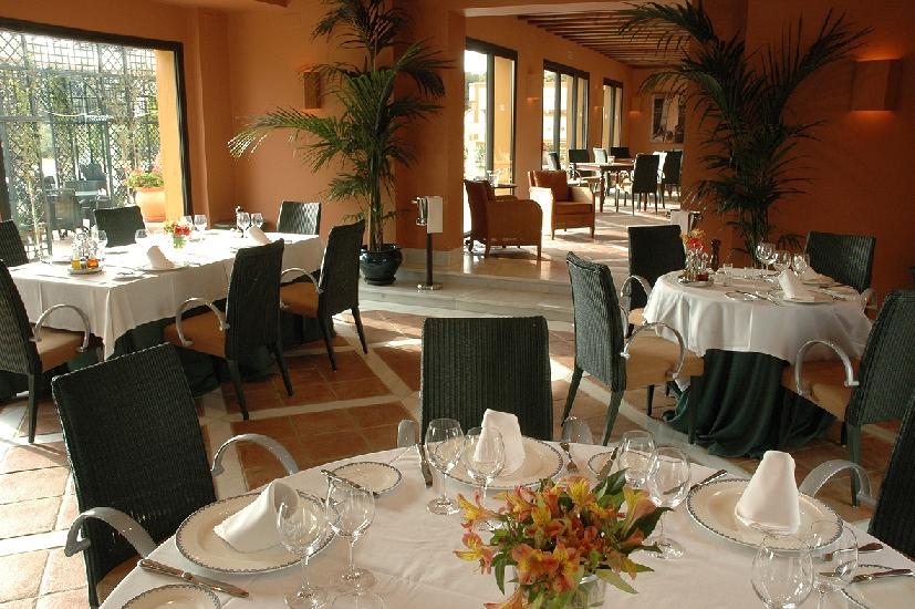 Hotel cortijo soto real culinair - Bedekte pergola ...